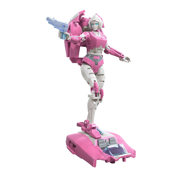 Transformers Earthrise Arcee in Robot and Car mode